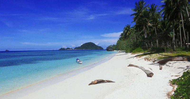 LABENGKI: praias mais lindas da ásia