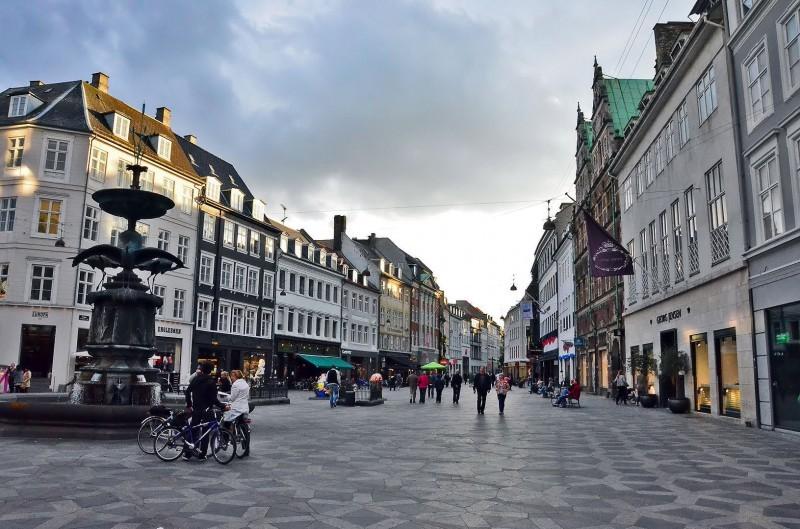 Copenhagem o que fazer: a Alameda Stroget reúne as lojas mas legais da cidade