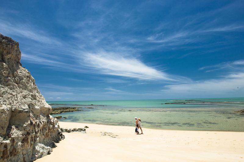 Destinos de férias no Brasil praia do espelho