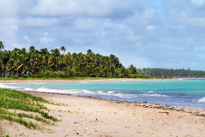Praia da Laje, e ao fundo, Patacho
