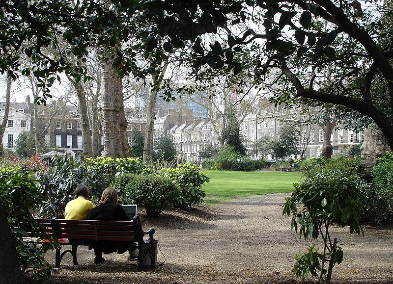800px-Bedford_gardens