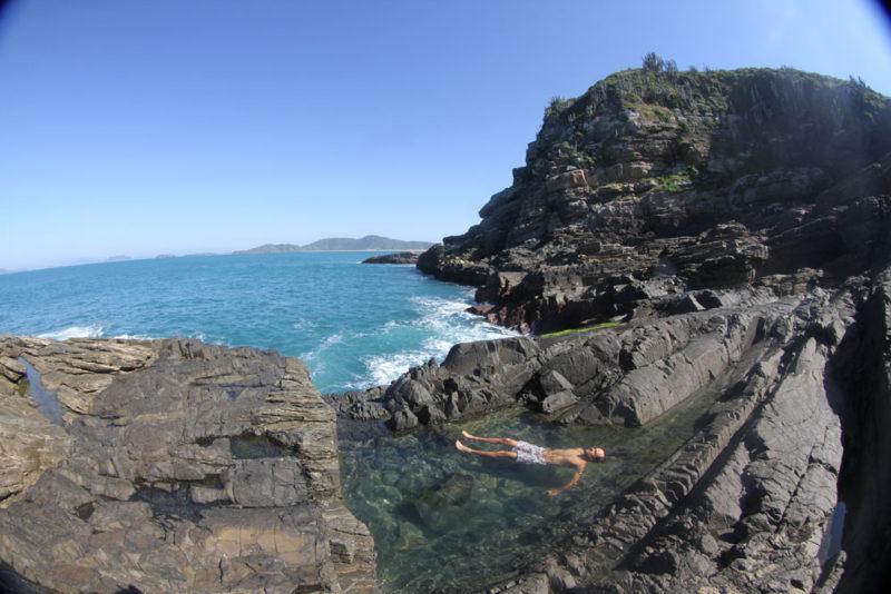 o que fazer em Buzios: As piscinas naturais da ferradurinha: trilha para Point secreto