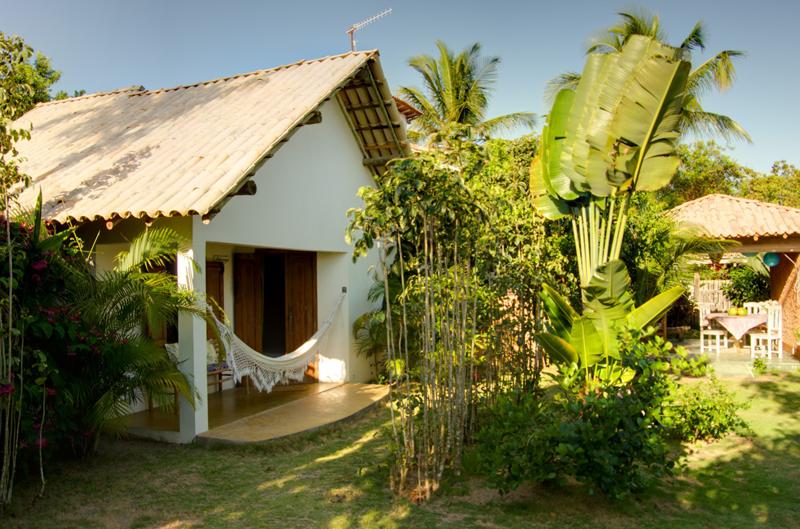 Dicas de pousadas em Caraiva: A natureza local que cerca os quartos da Pousada San Antonio Praia