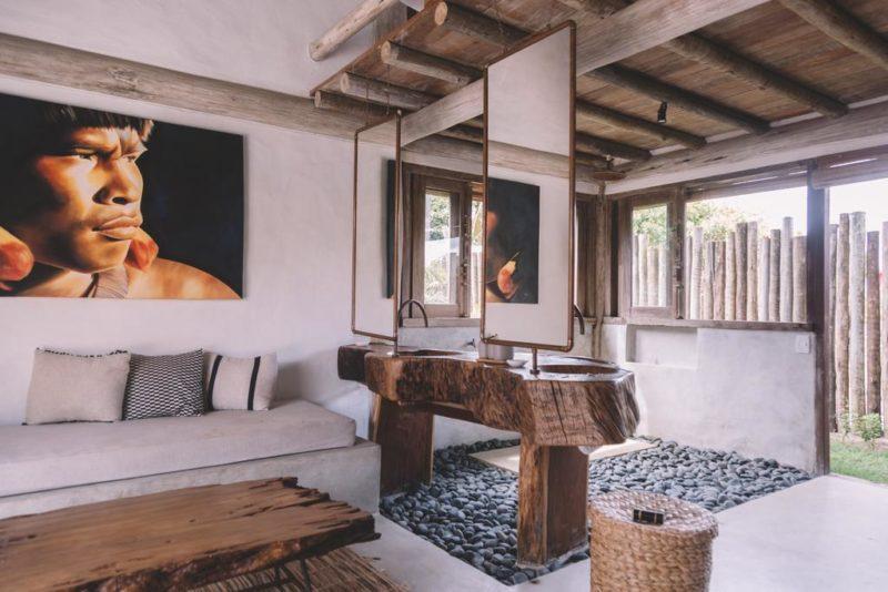Onde ficar em Caraiva: Banheiro com conceito aberto da Villa Fulô