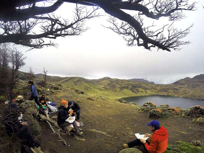 o que fazer em torres del paine: a trilha Paso de Agostini e a parada para almoçar na beira do lago