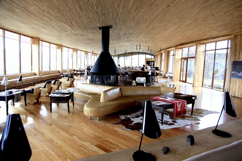 Onde ficar em Torres del Paine. lounge e restaurante do Tierra Patagonia