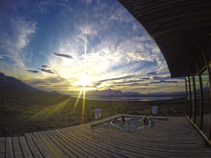 o que fazer em torres del paine: o spa do Tierra Patagonia com vista pro maciço