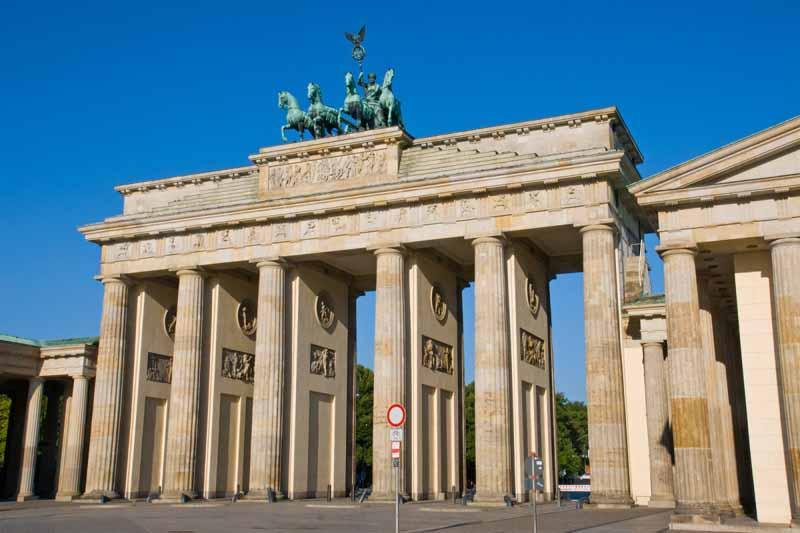 Brandenburg-Gate-2