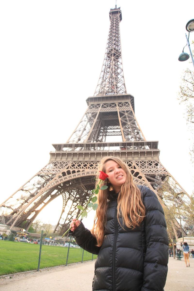 torre eiffel picnic champs de mars paris com crianças paris blog de viagem em familia juju na trip