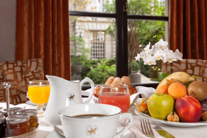 Breakfast-©-Pavillon-de-la-Reine