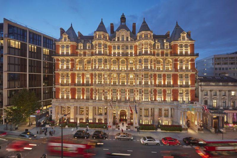 Melhores hotéis em Londres: o prédio clássico do Mandarin Oriental.