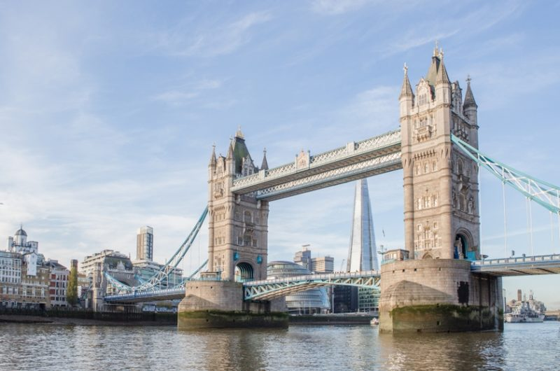 O que fazer em Londres: Subir na Tower Bridge.