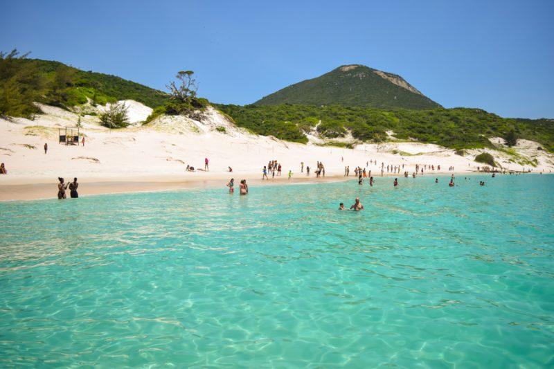 destinos baratos de praia no Brasil: arraial do cabo