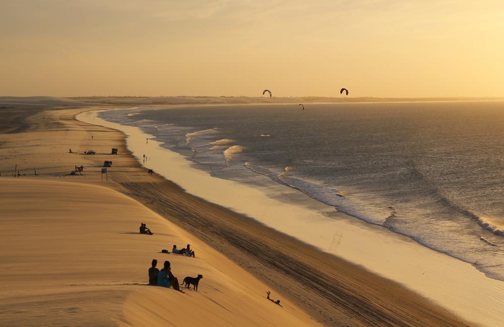 a duna do por do sol em jeri