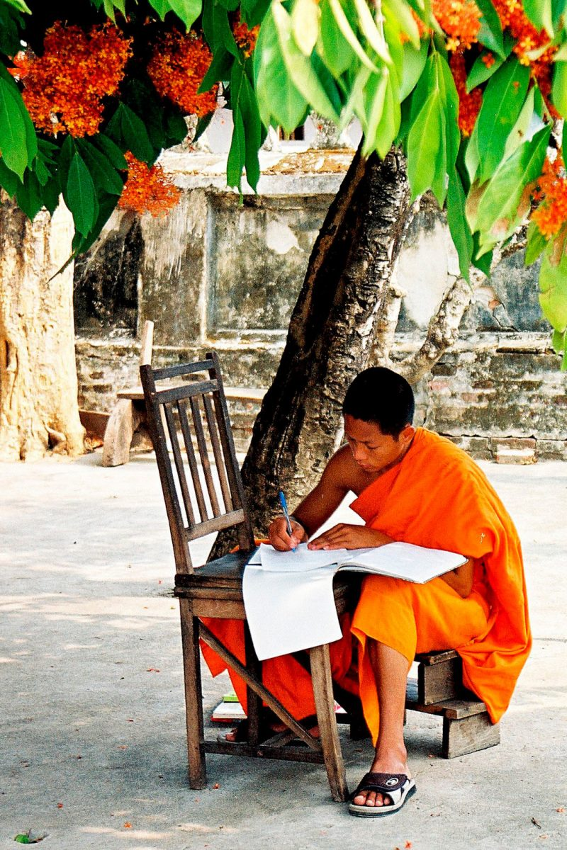 Viagem Tailândia e Sudeste Asiático luang prabang laos monges