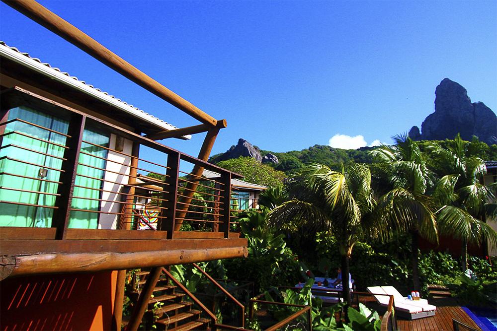 Melhores hotéis de Fernando de Noronha: Natureza verde que cerca a Ecopousada Teju-Açu.
