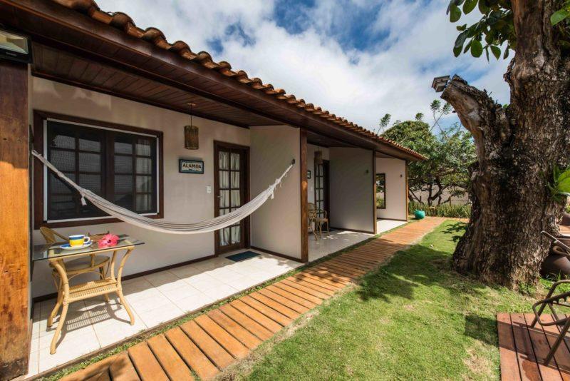 Hospedagem em Fernando de Noronha: Cada quarto do Pousada Filó tem varanda com rede.