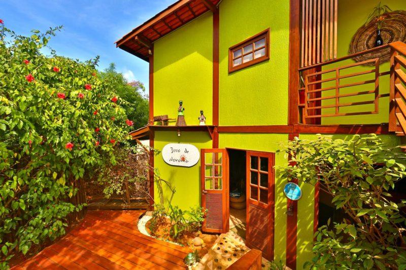 Onde se hospedar em Noronha: O colorido da pausada Beco de Noronha.
