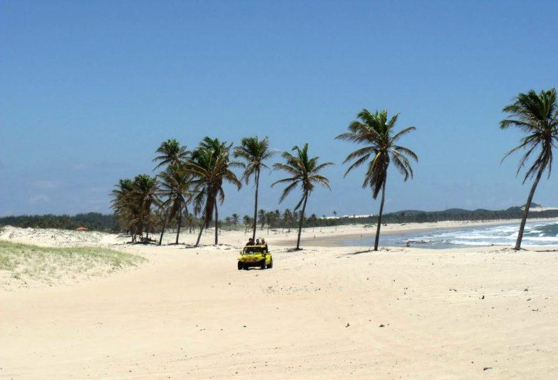 praia do cumbuco passeios de buggy nas dunas