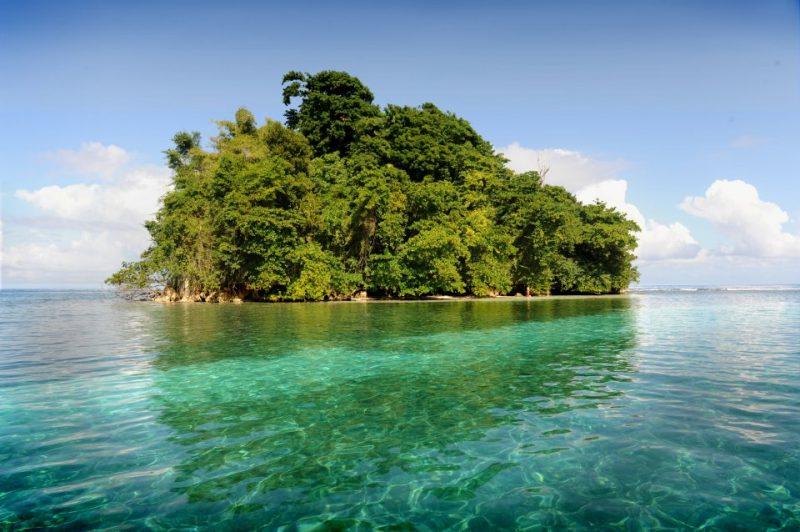 monkey island: dá pra ir com o canoa de bambu saindo da Blue Lagoon