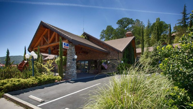 Onde ficar perto de Yosemite: Western Plus Yosemite Gateway Inn.