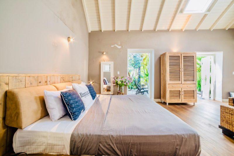 Onde se hospedar em Curaçao: quarto do Piertemai Apartments.