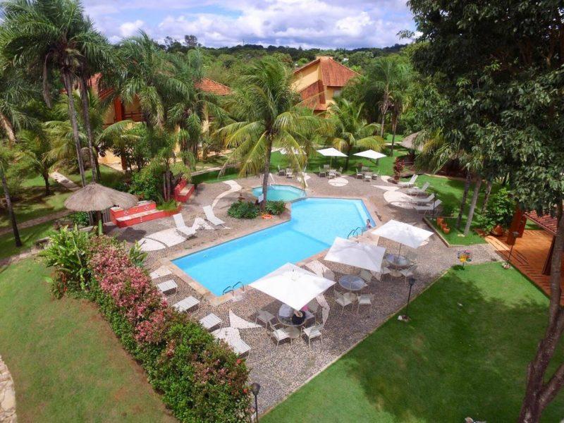 Onde se hospedar em Bonito: área verde da Pousada Águas de Bonito.