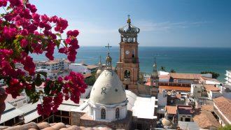 p18dvnfr641556oca1rpl45ghuu4_destino-turistico-hotel-crown-paradise-club-puerto-vallarta-1