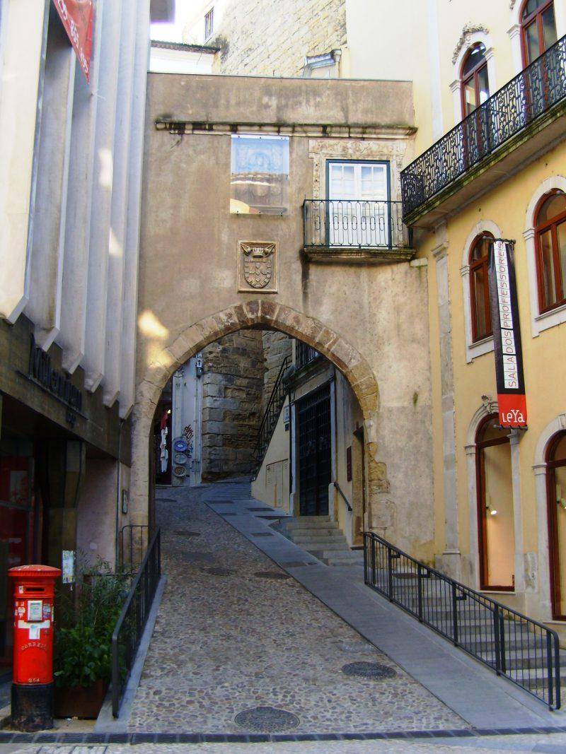 Porta de Barbacã - Coimbra