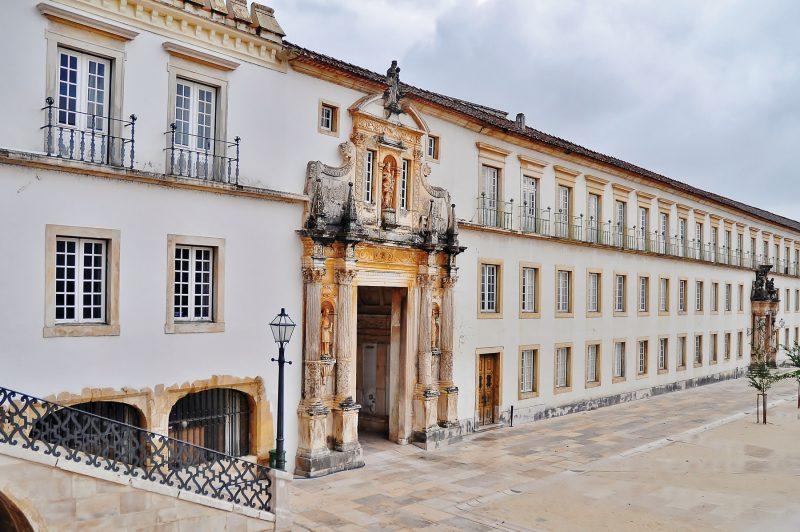 O que fazer em Portugal em 10 dias: Porta Férrea, uma das saídas da Universidade de Coimbra
