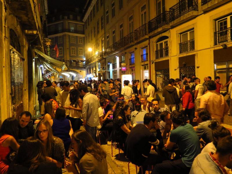 Cais do Sodré: área boêmia de Lisboa