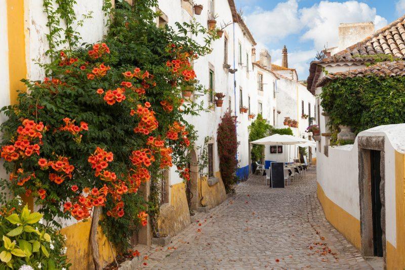 Viagem por Portugal: As ruelas de Óbidos