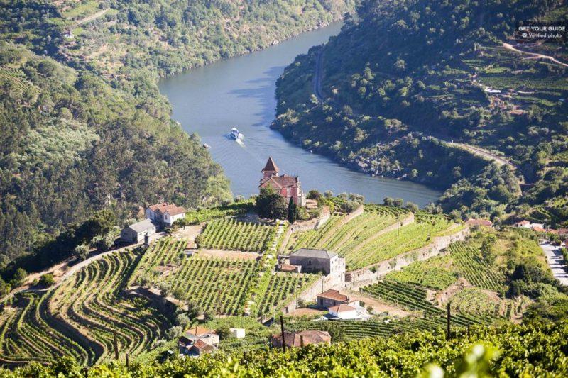 O que fazer no Porto: passeio pelos vinhedos do Douro