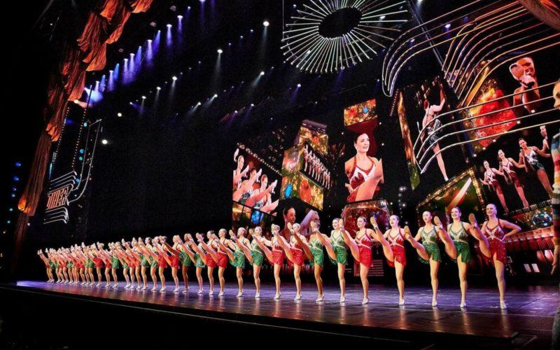 A dança sincronizada das Rockettes