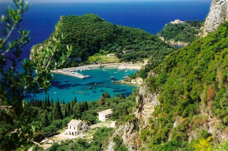 Praias mais lindas de Corfu: Palaiokastritsa