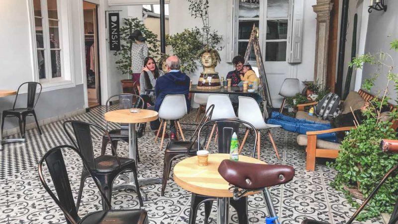 roteiro em Santiago do Chile: um dos muito cafés escondidos do Barrio Italia