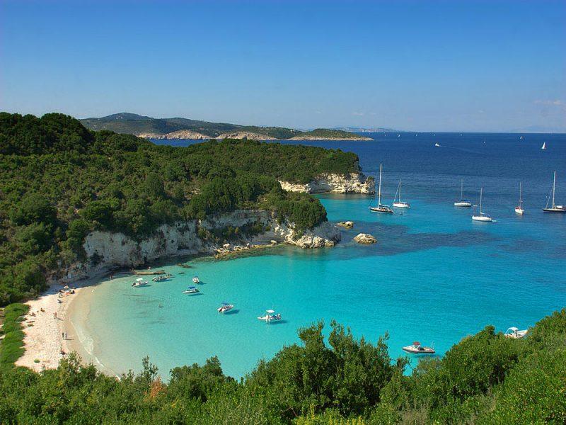 Antepaxos: praia de Voutomi, uma das lindezas do passeio de barco