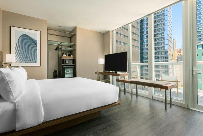 Melhores hoteis na Times Square: a parede de vidro do quarto do Marriot
