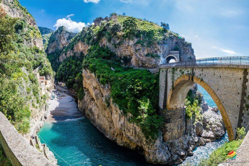 O lindo Fiordo di Furore, na Costa Amalfitana: