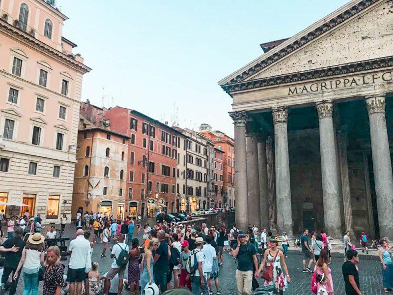 Roteiro Roma: Panteão e seu clima festivo