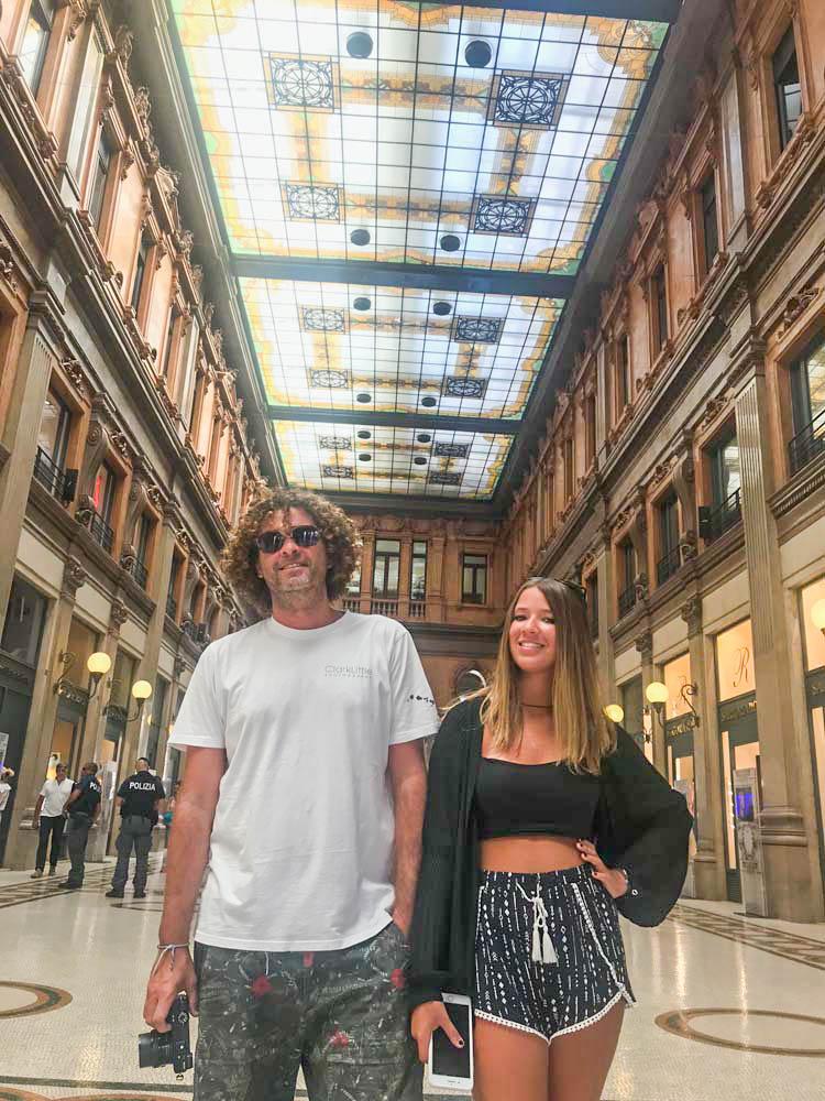 Batendo perna até a Fontana di Trevi, achamos essa linda galeria