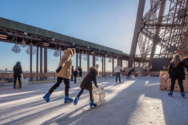 Patinação no gelo em Paris: a pista da Torre Eiffel