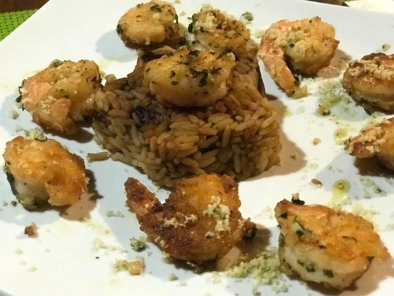 Onde comer em São Miguel dos Milagres e Rota Ecológica: o camarão com arroz de passas do caju, do restaurante da Borapirá