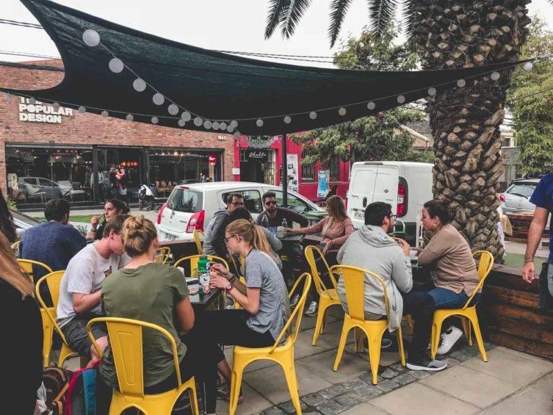lugares baratos na América Latina: O bairro Italia no Chile é uma delícia para ir no fim de semana