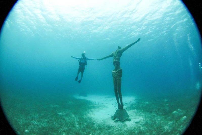 As estátuas submersas do Chankanaab: