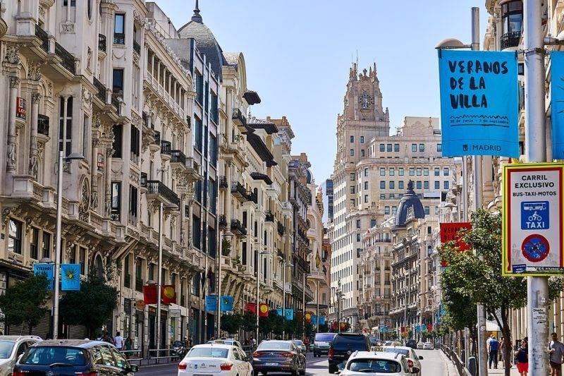 Roteiro 2 dias em Madri: A movimentada Gran Via em Madrid