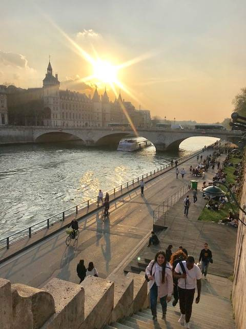 O passeio pela Rive Droite no Sena: clima de contemplação