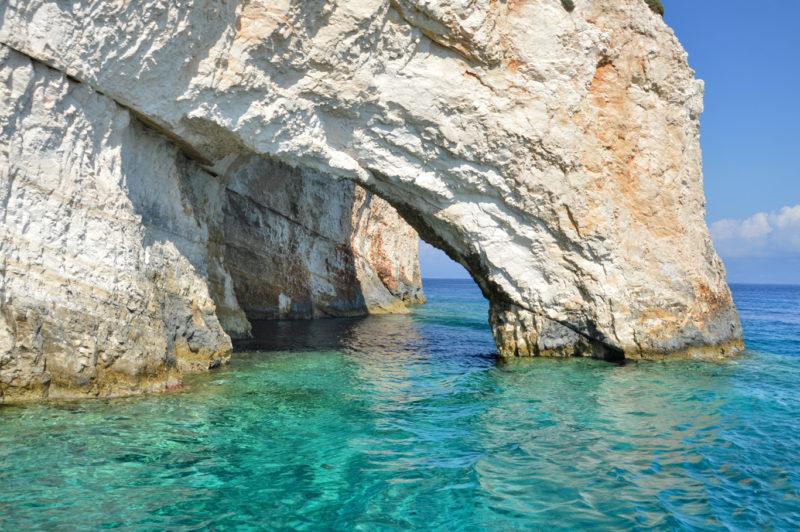 Blue Cave, em Zakynthos: parada no passeio de barco para Zakhyntos