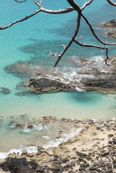 O azul da praia do Sancho, vista do alto. Uma das mais lindas do Brasil