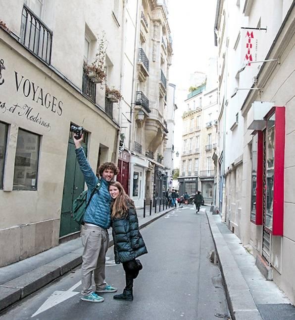 Batendo perna em Saint Germain des Prés
